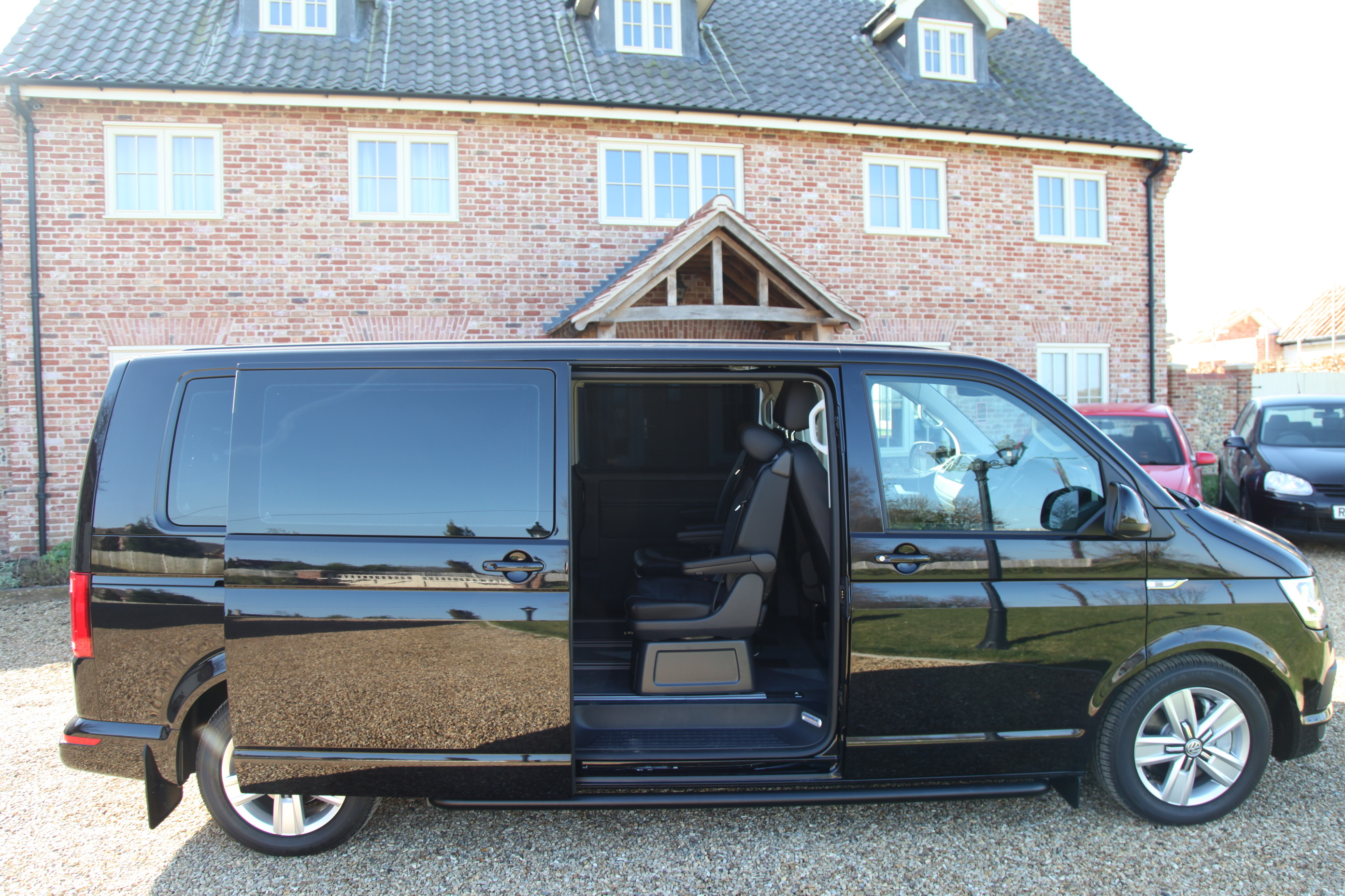 GD Luxury Transport UK